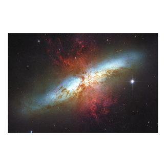 Galaxia M82 de Starburst de la formación estelar d Fotografías