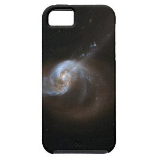 Galaxia que obra recíprocamente NGC 1614 de Hubble iPhone 5 Funda