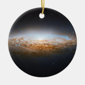 Galaxia Unbarred NGC 2683 del UFO de la galaxia es Ornamento Para Arbol De Navidad