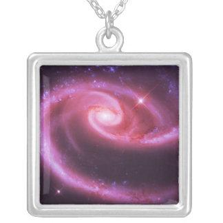 Galaxias color de rosa rosadas colgante cuadrado