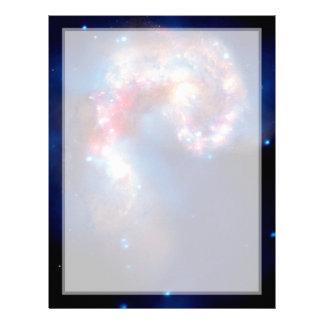 Galaxias de las antenas que chocan plantillas de membrete
