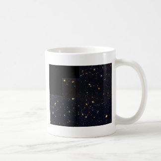 Galaxias del espiral elípticas y el chocar en el tazas de café