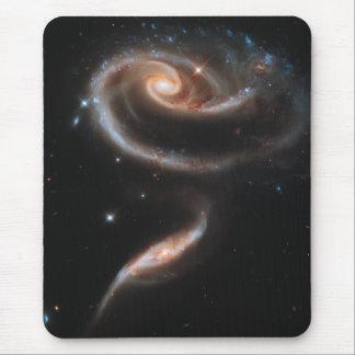 Galaxias espirales color de rosa alfombrilla de raton