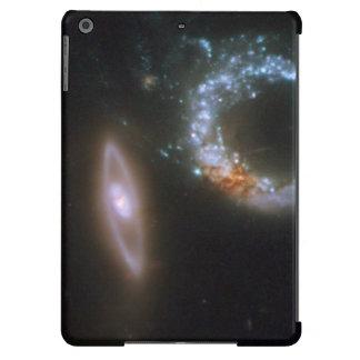 Galaxias que obran recíprocamente Arp 147 Funda Para iPad Air