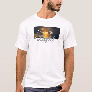 Galería de Amiot puedo ver la camiseta blanca