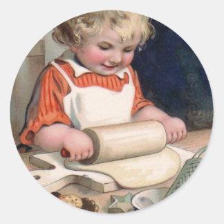 Galletas de la hornada de la niña etiqueta redonda