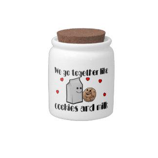 Galletas y amor de la leche jarra para caramelo