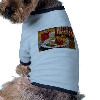 Galletas y bebida camisas de perritos