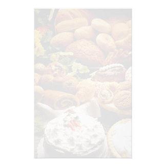 Galletas y panes deliciosos del día de fiesta  papeleria