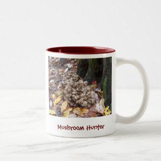 Gallina del cazador de la seta de las maderas taza de café de dos colores