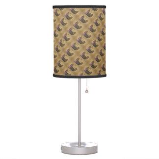 Gallina del pollo de la cocina del país en la lámp lámpara de escritorio