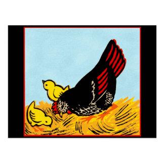 Gallina del vintage e impresión de los polluelos tarjeta postal