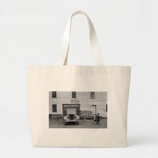 Gallinero de la lechería de Vermont, los años 30 Bolsa De Mano