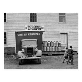 Gallinero de la lechería de Vermont, los años 30 Postal