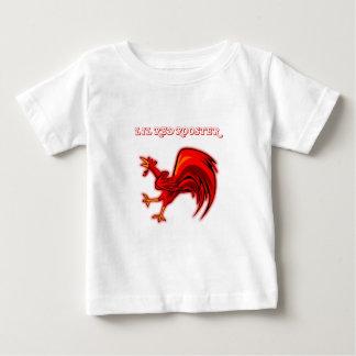 Gallo del rojo de Lil Playera