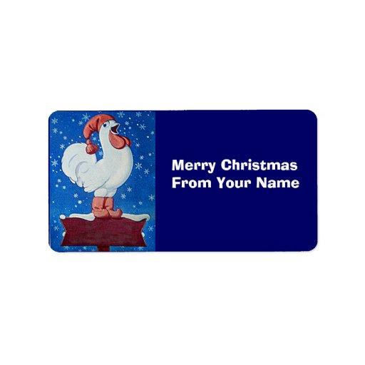Gallo divertido en el gorra de Santa en etiqueta d Etiqueta De Dirección