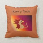Gallo que se sienta divertido - subida y brillo almohada