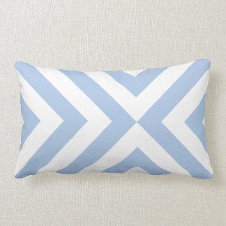 Galones azules claros y blancos almohadas