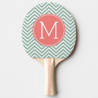 Galones de la menta y del coral con el monograma d pala de ping pong