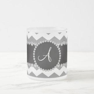 Galones grises blancos cones monograma taza cristal mate