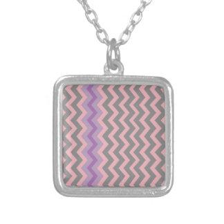 Galones grises y rosados con la frontera púrpura colgante cuadrado