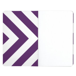 Galones púrpuras y blancos cuadernos grapados
