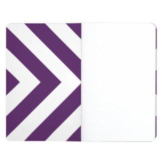 Galones púrpuras y blancos cuaderno grapado