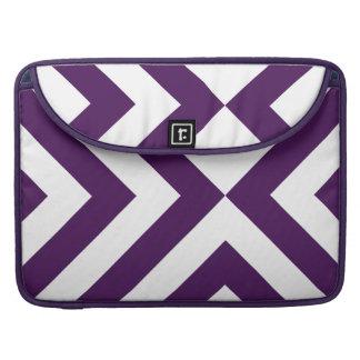 Galones púrpuras y blancos funda para macbooks