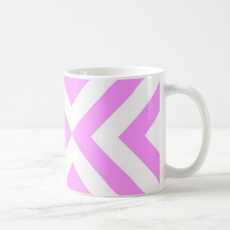 Galones rosados y blancos taza básica blanca