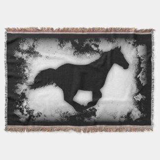  galopante de la silueta del caballo de la manta