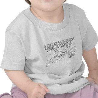 Galope blanco y negro del unicornio camisetas