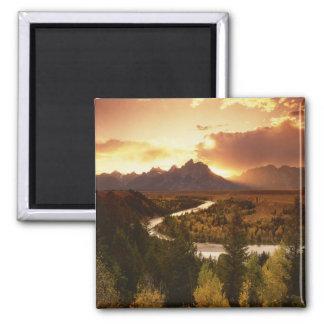 Gama de Teton en la puesta del sol, del río Snake Imán Cuadrado