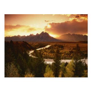 Gama de Teton en la puesta del sol, del río Snake Postal