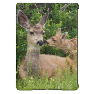 Gama del ciervo mula con el cervatillo 2 funda para iPad air