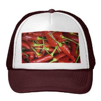 Gama del regalo de las pimientas de chiles rojos gorras