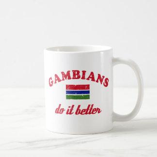 Gambiano mejora taza de café