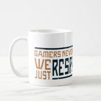 Gamers Never Die - Style 3 Coffee Mug