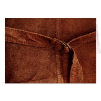 Gamuza marrón con la correa y la hebilla tarjeta de felicitación