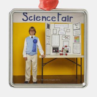 Ganador de la feria de ciencia adorno cuadrado plateado