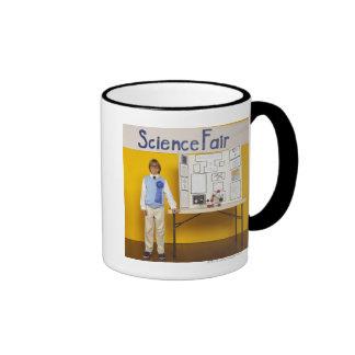 Ganador de la feria de ciencia taza a dos colores