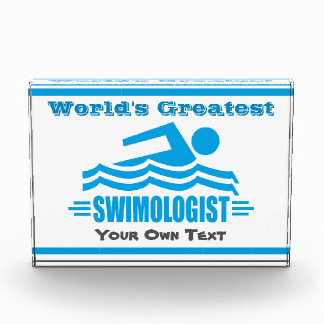 Ganador divertido del equipo del nadador de la