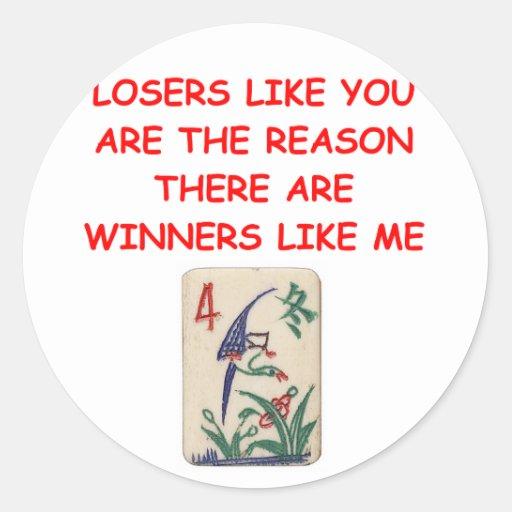 ganadores divertidos y chiste de los perdedores pegatina redonda