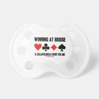 Ganando en el puente un acontecimiento de Lollapal Chupetes De Bebe