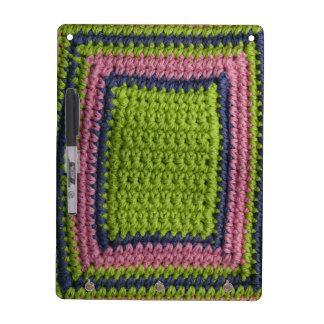 Ganchillo azul verde rosa pizarras blancas