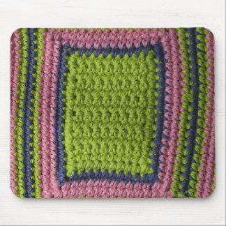 Ganchillo azul, verde, rosa tapete de ratón
