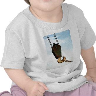 Gancho de la grúa camiseta