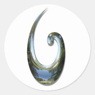 Gancho de pescados maorí - cromo pegatina redonda