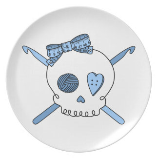 Ganchos del cráneo y de ganchillo (azules cielos) plato de comida