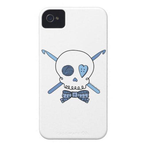 Ganchos del cráneo y de ganchillo (azules) iPhone 4 Case-Mate carcasas