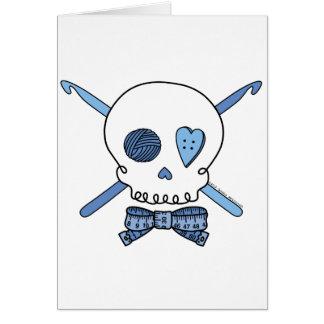 Ganchos del cráneo y de ganchillo (azules) tarjeta de felicitación